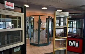 Palo Verde Glass & Screen showroom